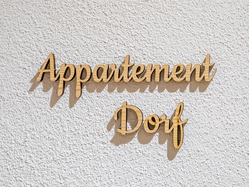 Beschriftung Appartement Dorf